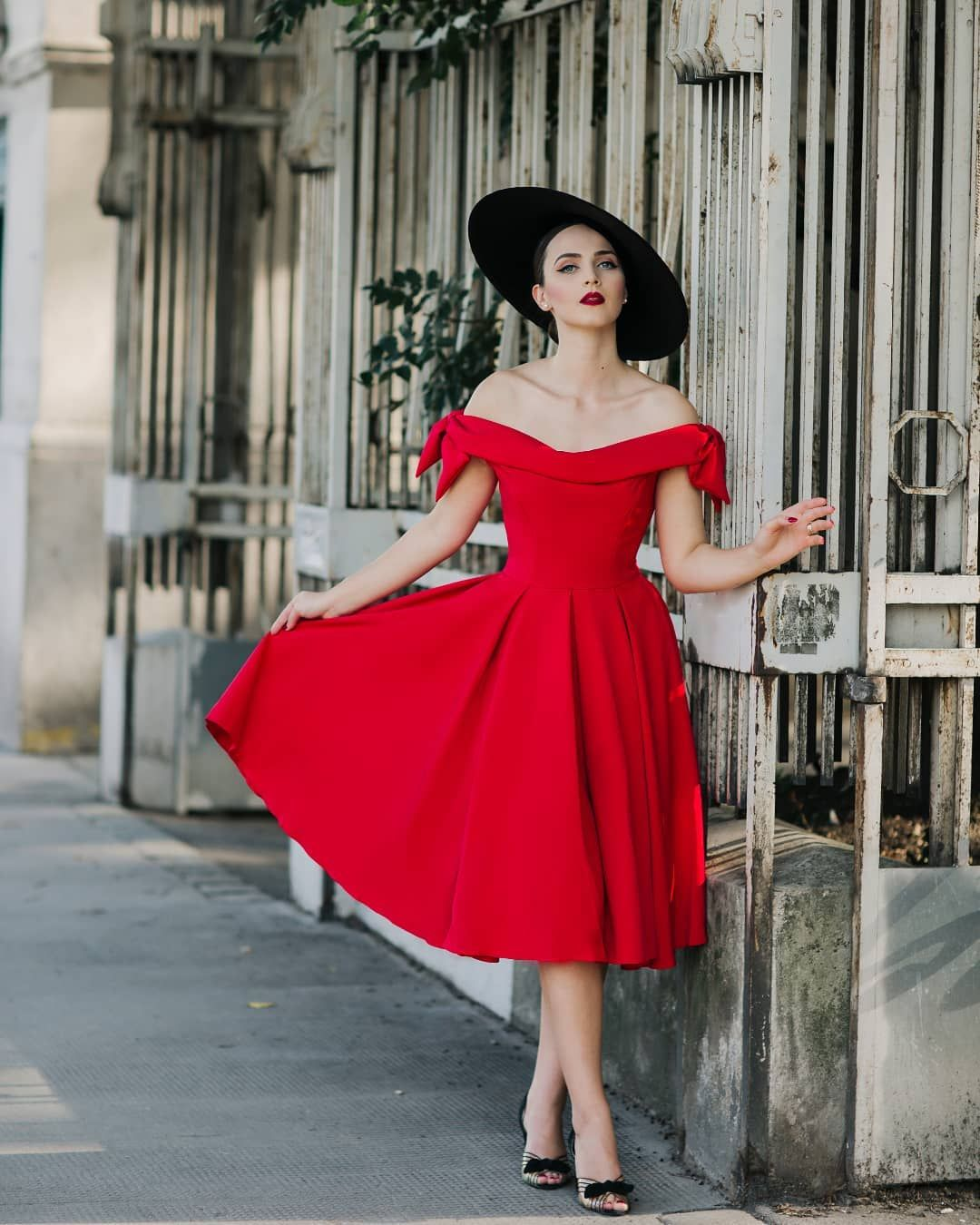 Tilly Off The Shoulder Bow Prom Dress The Pretty Dress Company Vintage Style Dresses Pretty Dresses Casual [ 1350 x 1080 Pixel ]