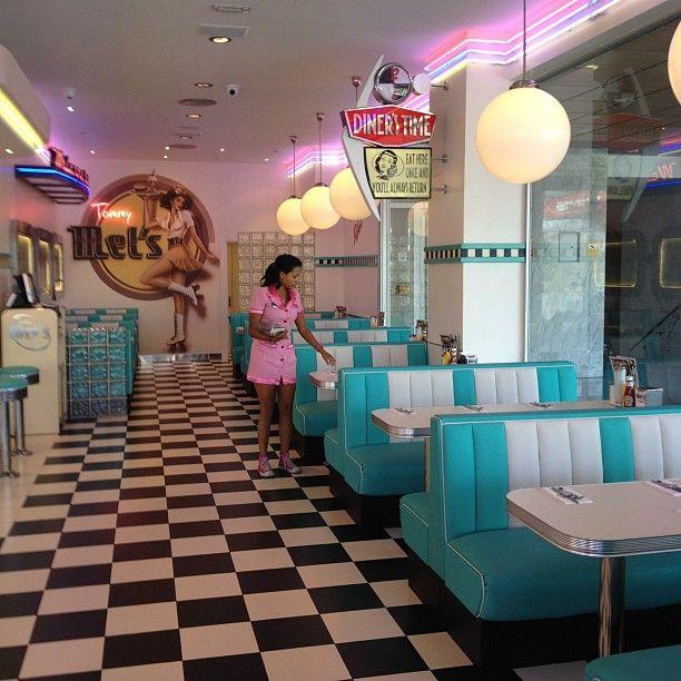 Restaurant style retro decoracion restaurant design decor y retro art - Cuisine style retro ...