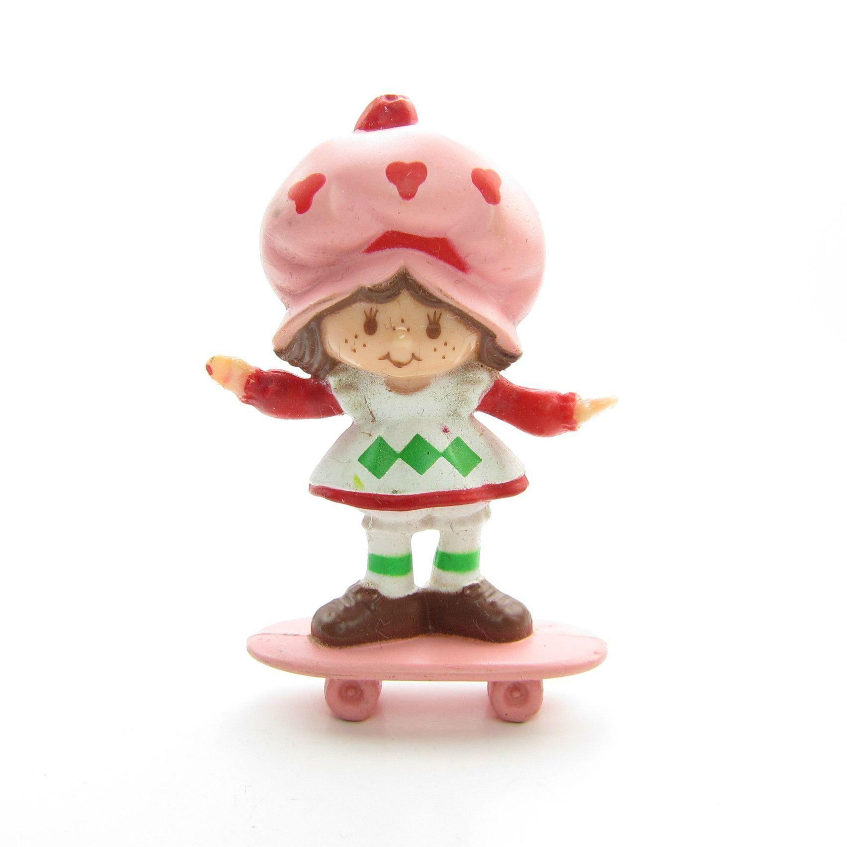 Strawberry Shortcake on a Skateboard NEW Vintage Strawberry Shortcake Miniature