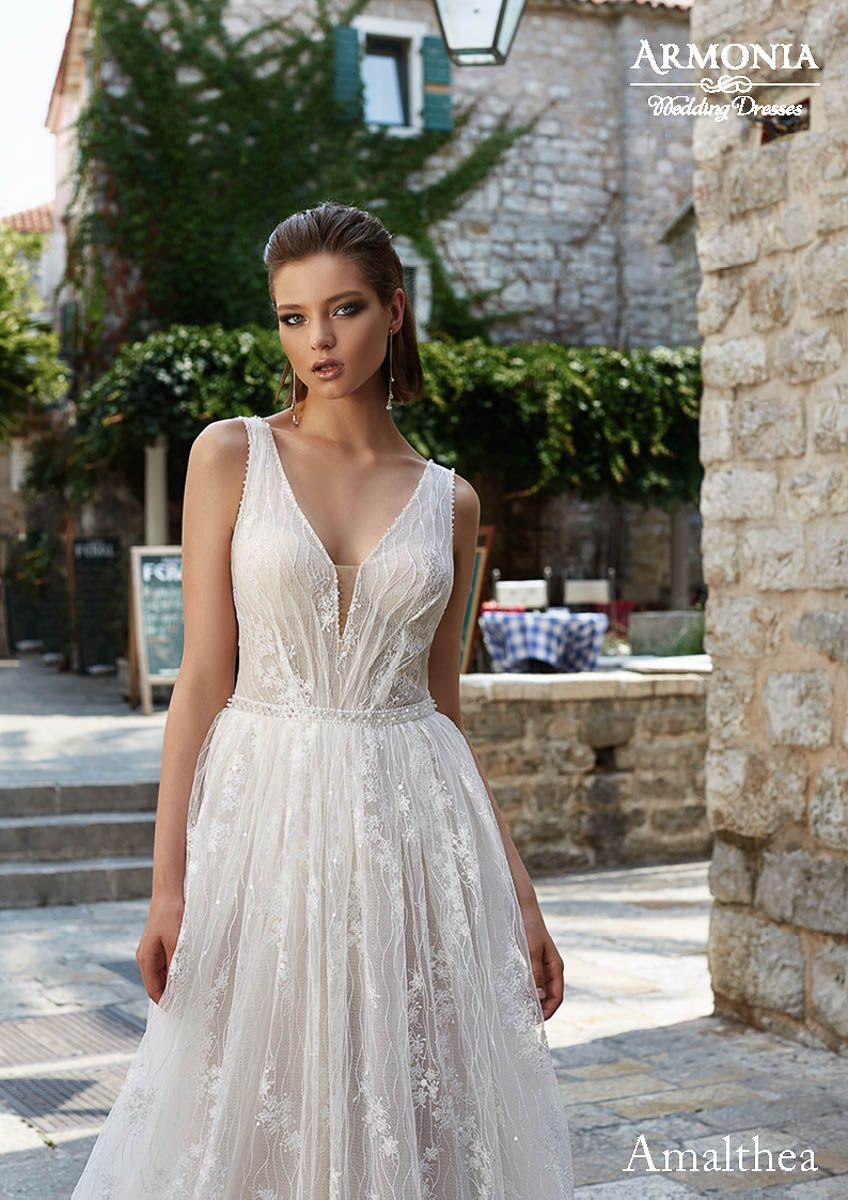 Wundervolle Brautkleider aus der Kollektion Phoenix von