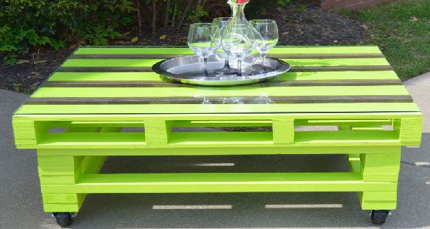 17 id es pour fabriquer une table basse palette tendance deco table basse et les salon - Construire salon de jardin palette ...