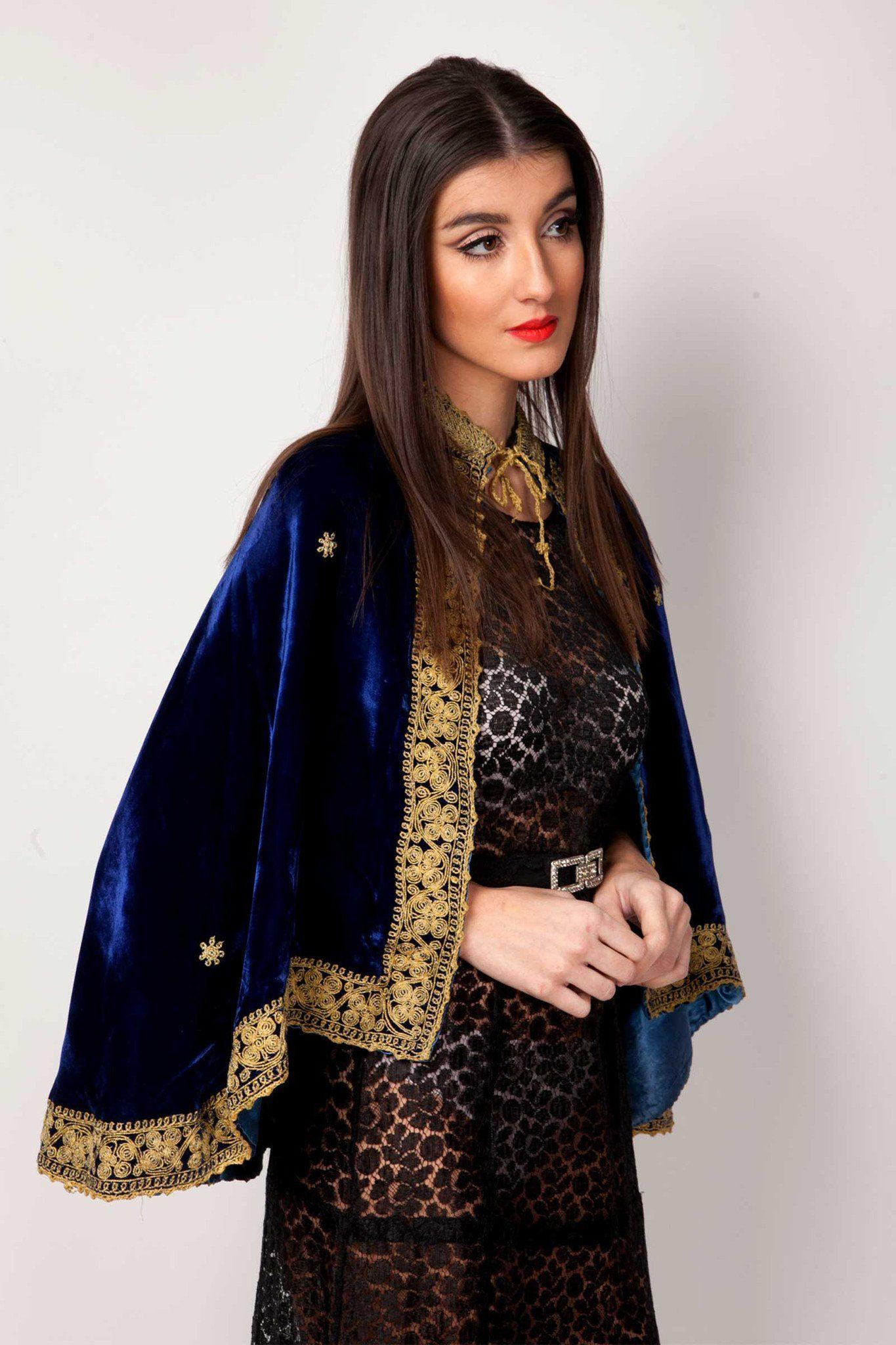 Raphaela cape ali mcgraw boho style pinterest cape retro