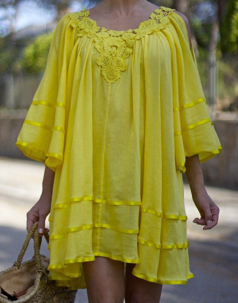 Fashion and Style Blog / Blog de Moda . Post: Yellow dress / Vestido amarillo  . ( Pedidos / Orders : info@ohmylooks.com )  .More pictures on/ Más fotos en : http://www.ohmylooks.com .Llevo/I wear: Dress / Vestido : Oh My Looks ; Sandals / Sandalias : Pilar Burgos ; Bag / Capazo : Chesco