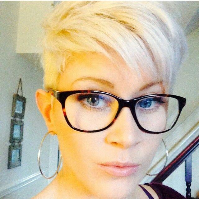Beste Kurzhaarfrisuren Frauen Brillenträger