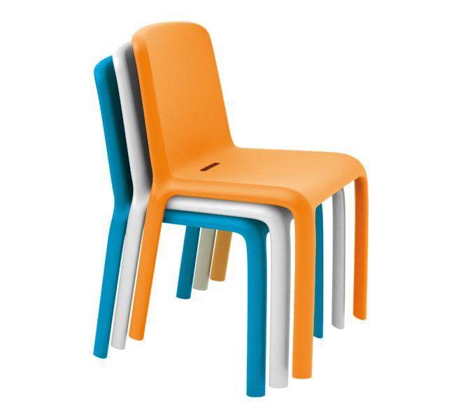 Orange white blue colors snow plastic stacking chairs for Chaises de couleur design