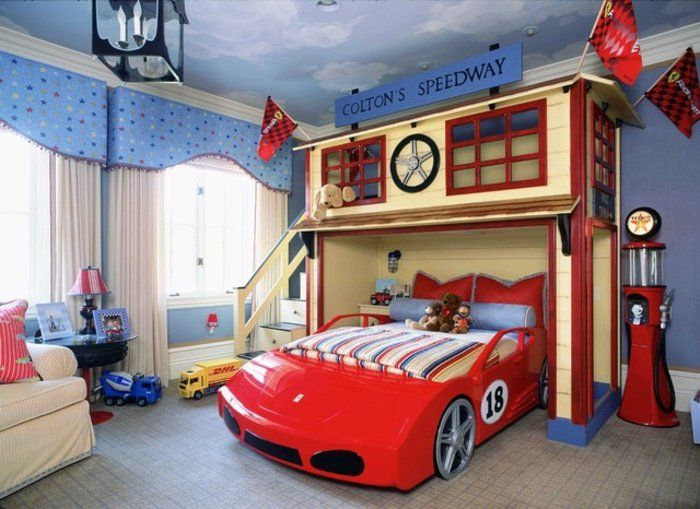 jungen kinderzimmer auto rotes auto bett garage imitieren spielecke ber dem bett modernes zimmer - Jungenkinderzimmer