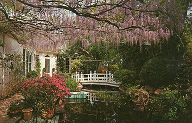 Chandor Gardens In Weatherford Tx This Postcard Photograph From The 1940 39 S Shows The Ceiling