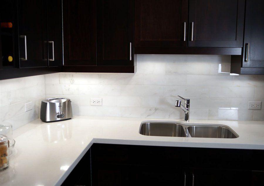 Kitchen Quartz Countertops And Backsplash