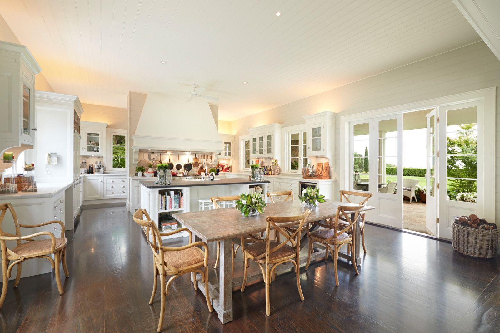 Modern Country Style Anne Turner S Cottage Living Kitchen: House Of The Day: A Hamptons-Style Home In Australia