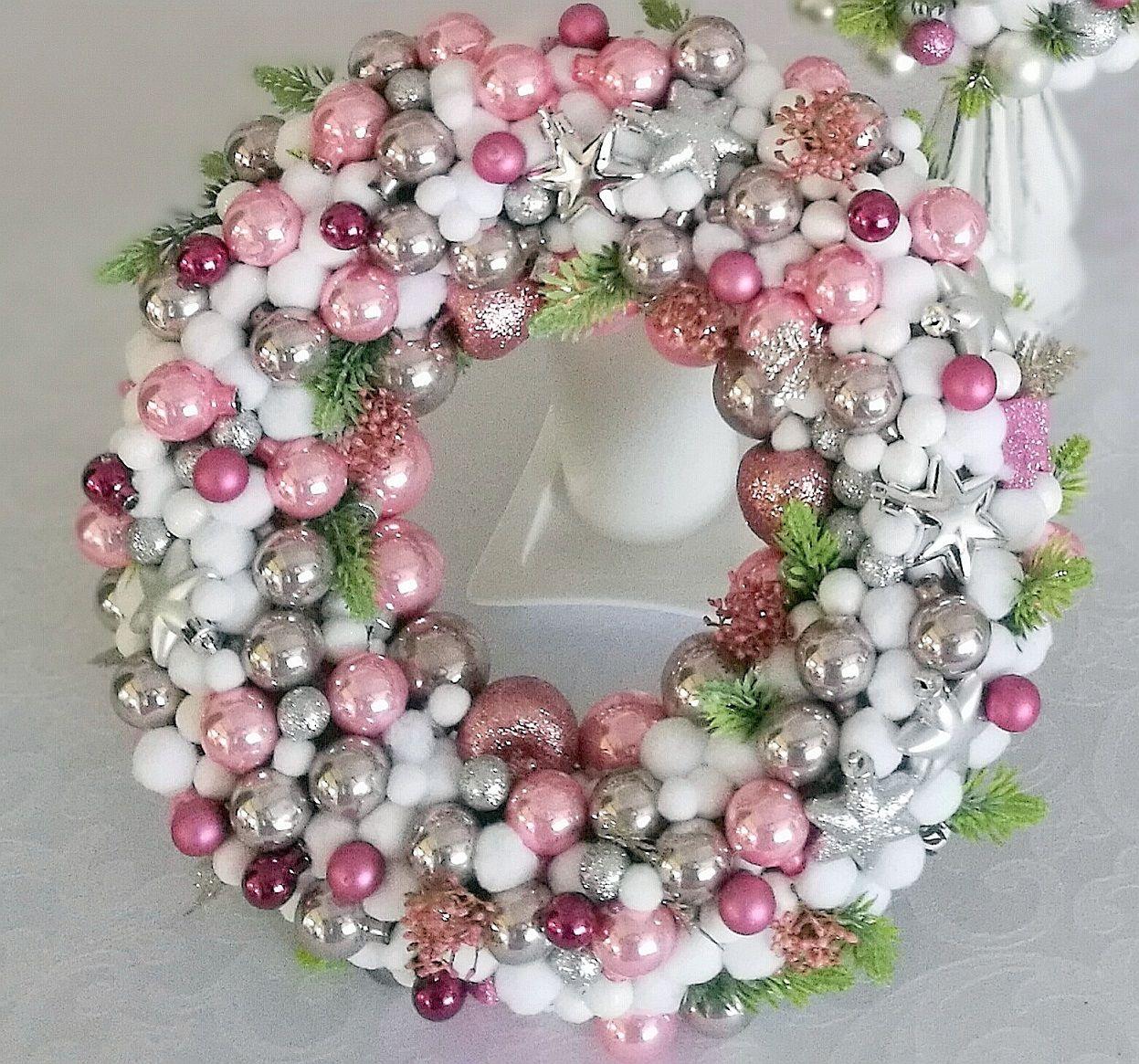 Wianek Swiateczny Rozowo Srebrny Swiateczne Atelier Ornament Wreath Decor Wreaths