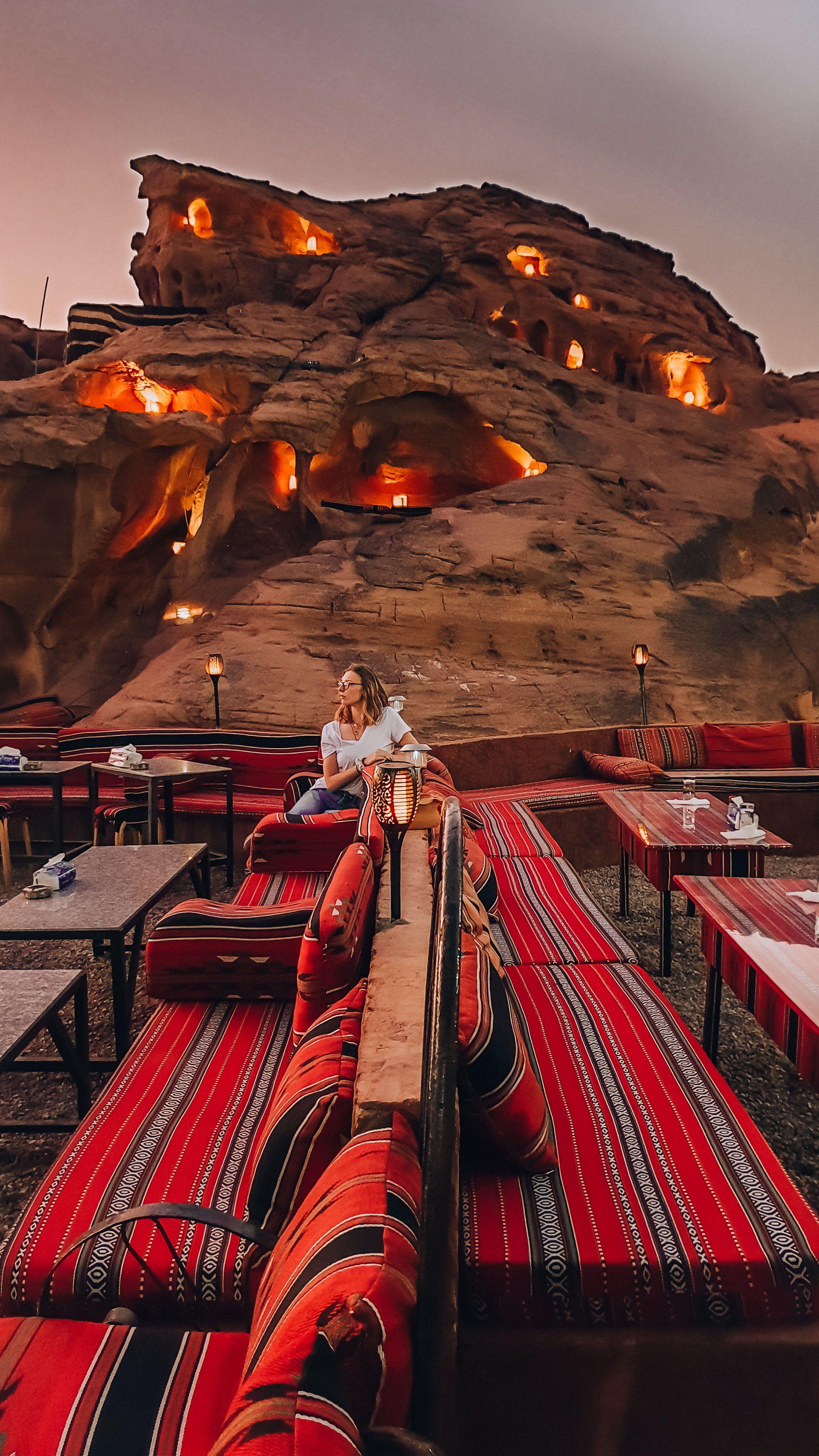 How To Pick Which Wadi Rum Desert Camp To Stay At In Jordan Helena Bradbury Visit Wadi Rum Luxury Desert Camp Or Budget D Wadi Rum Abenteuerurlaub Reisen
