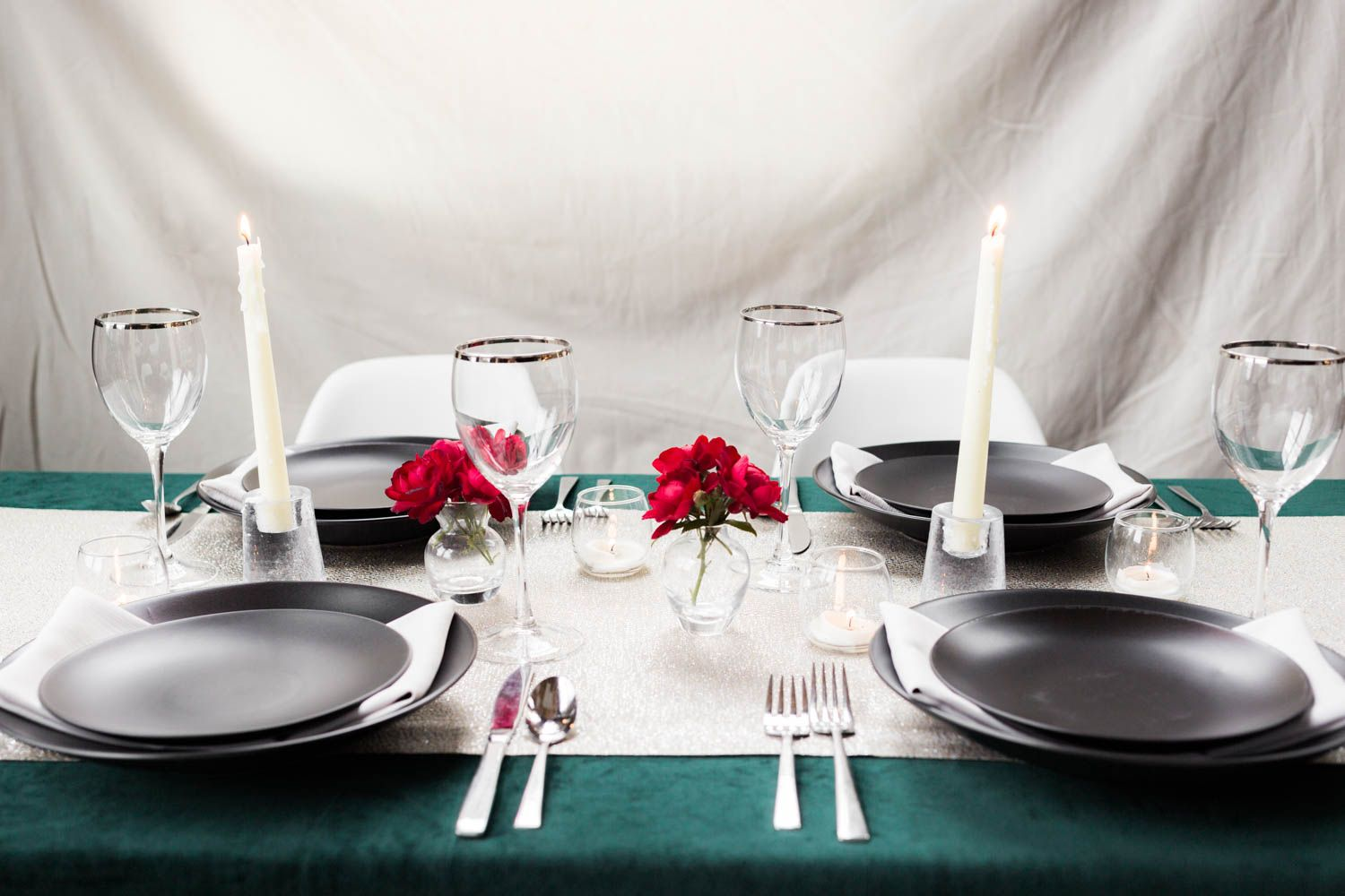 holiday party table-setting inspiration. green velvet tablecloth ...
