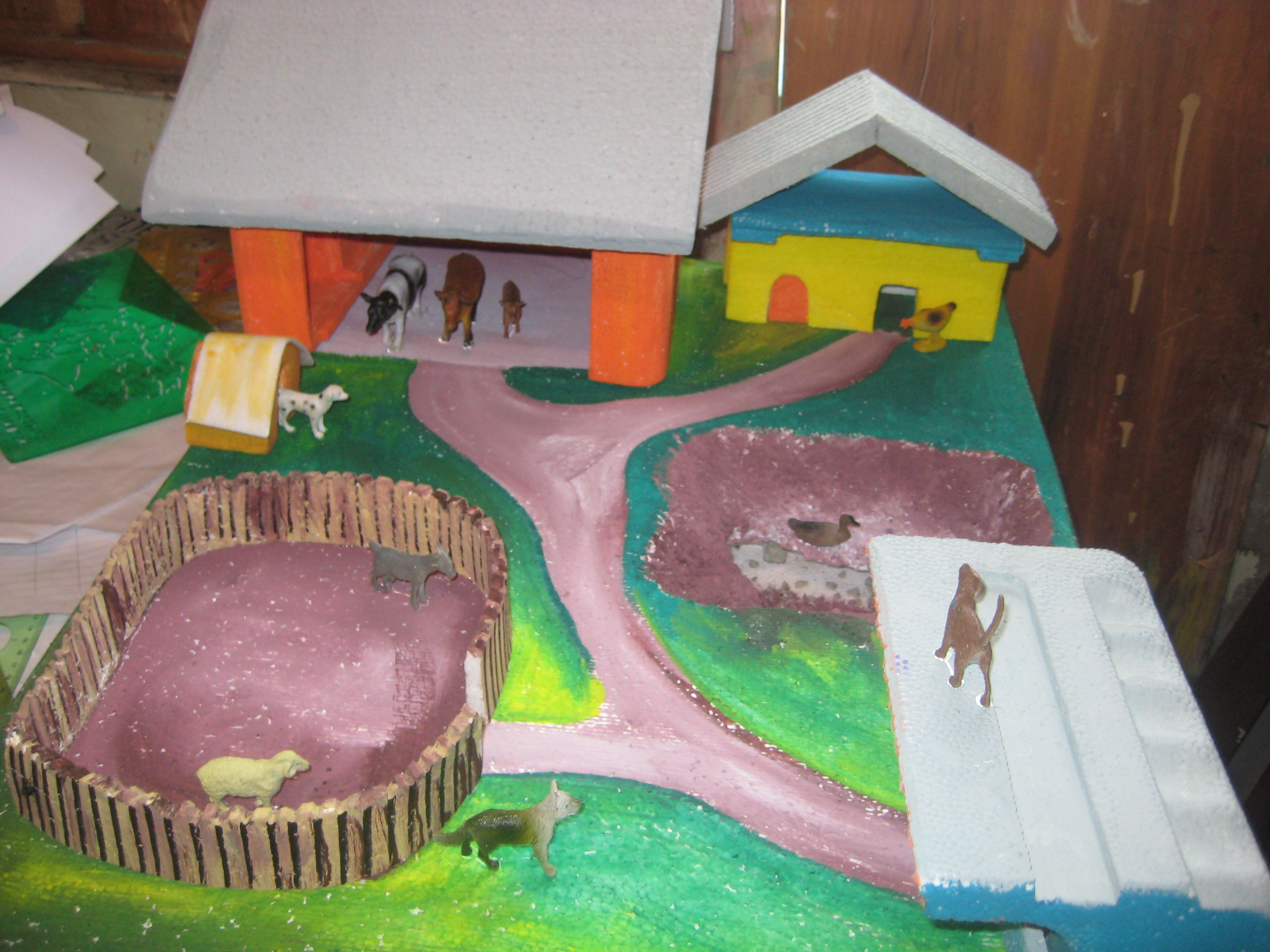 Granja con material reciclado Projects, Gingerbread