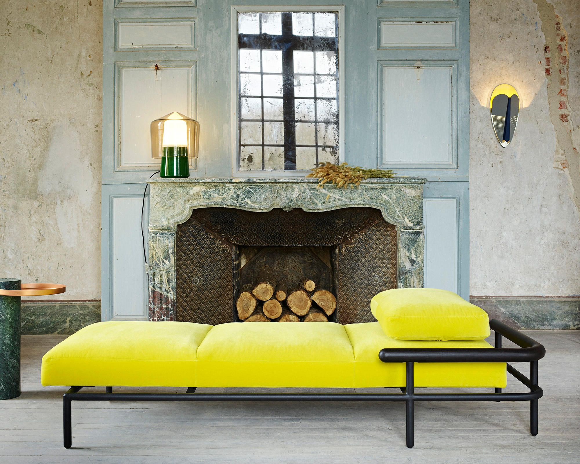 Pick X Ray Daybed By Alain Gilles For La Chance Architonic Nowonarchitonic Interior Design Furniture Beds Daybeds Yellow Comfortable Fabric