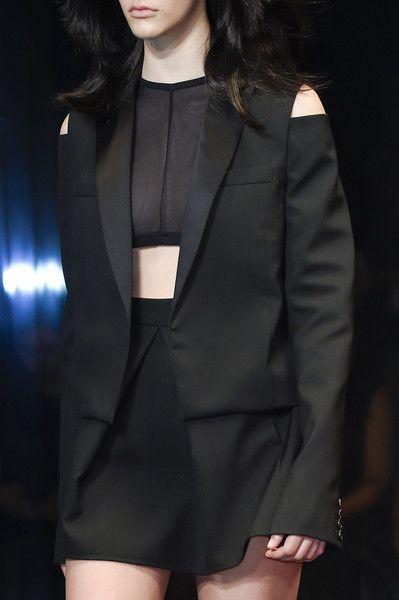Vera Wang at New York Spring 2016 (Details)