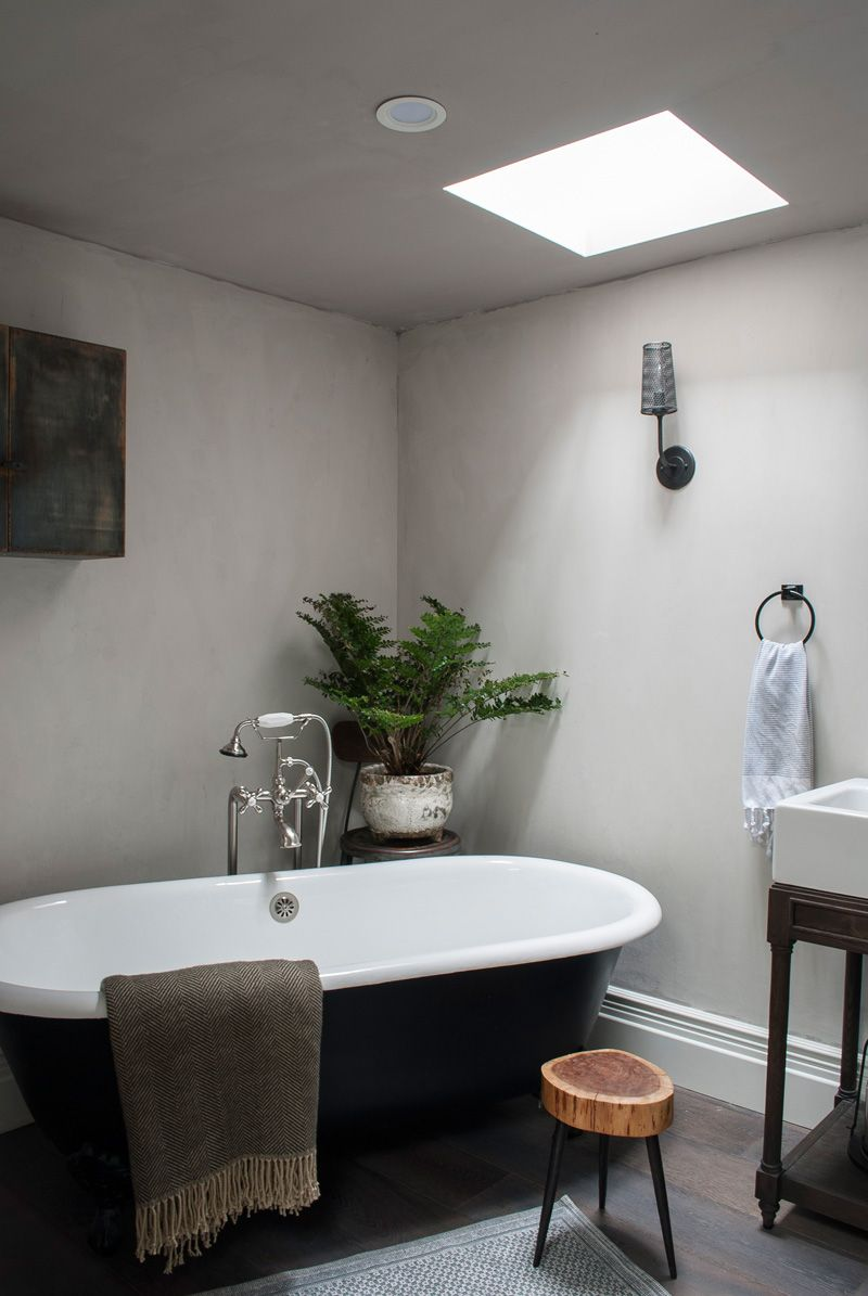 Bathroom With Skylight, Lime Wash Walls, And Claw Foot Tub. Photography By  Ty