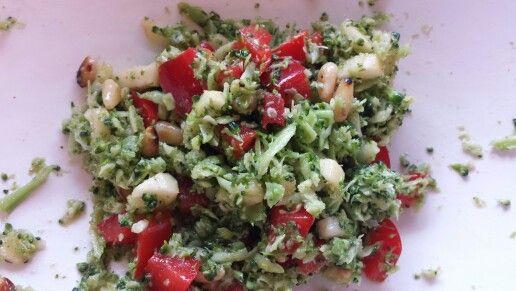 AGN: Broccoli salat in senf/honig und Wein Bad