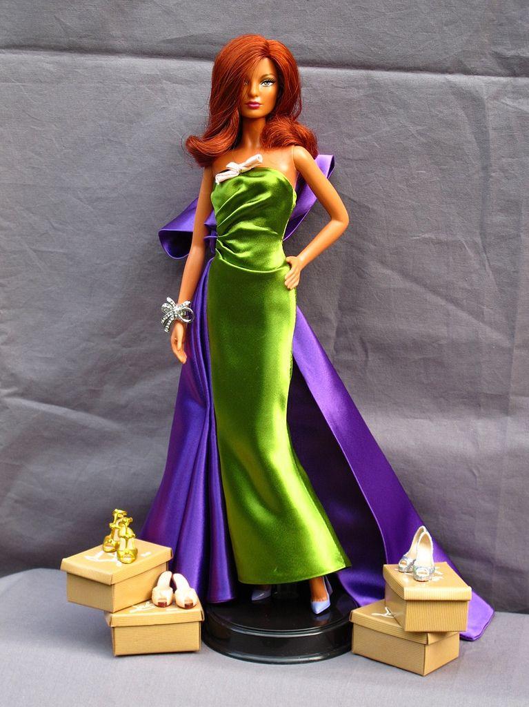 Orange Facted Teardrop Earrings for Barbie doll