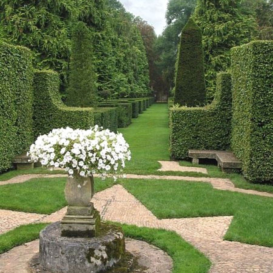 12 Awesome Garden Plans You Can Create Yourself To Complete Your Landscape  | Formal Garden Designs
