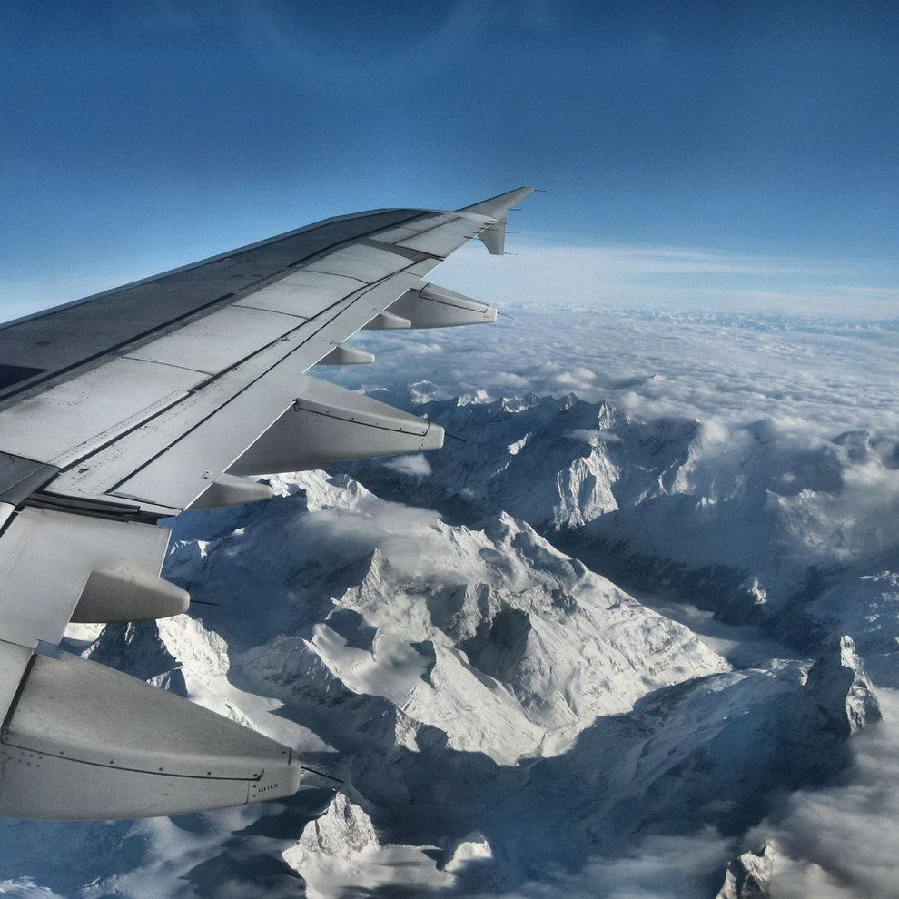 39 Truly Spectacular Views Out Airplane Windows | Viral Buzz Content