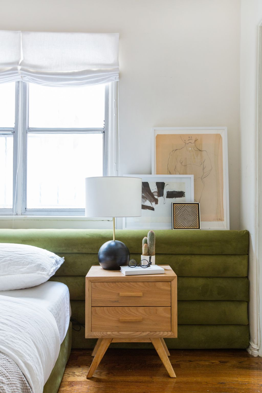 emily-henderson_sapira-mattress_diy-headboard_brady-tolbert_bedroom_green-velvet_channel-tufting_channel-tufted_masculine_boho_chic_headboard_8