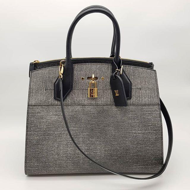 4x00 wire. Preloved Louis Vuitton City Steamer MM Black