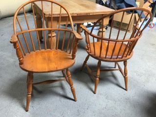 PAIR OF VINTAGE S. BENT BROTHERS WALNUT HOOP BACK WINDSOR ARM CHAIRS.