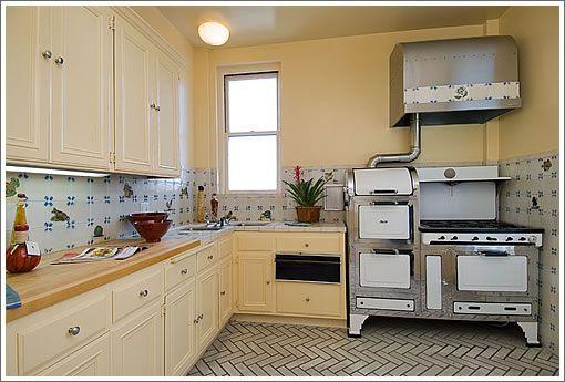 1940 kitchen  | 1940 Broadway #8 Kitchen