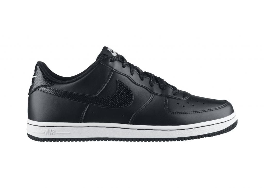 ... everywhere in the world and which carries a long history of satisfied  costumers and brand loyalty. The Nike Air Force 1 Low Lightweight Women s  Shoe ... b108b813a1
