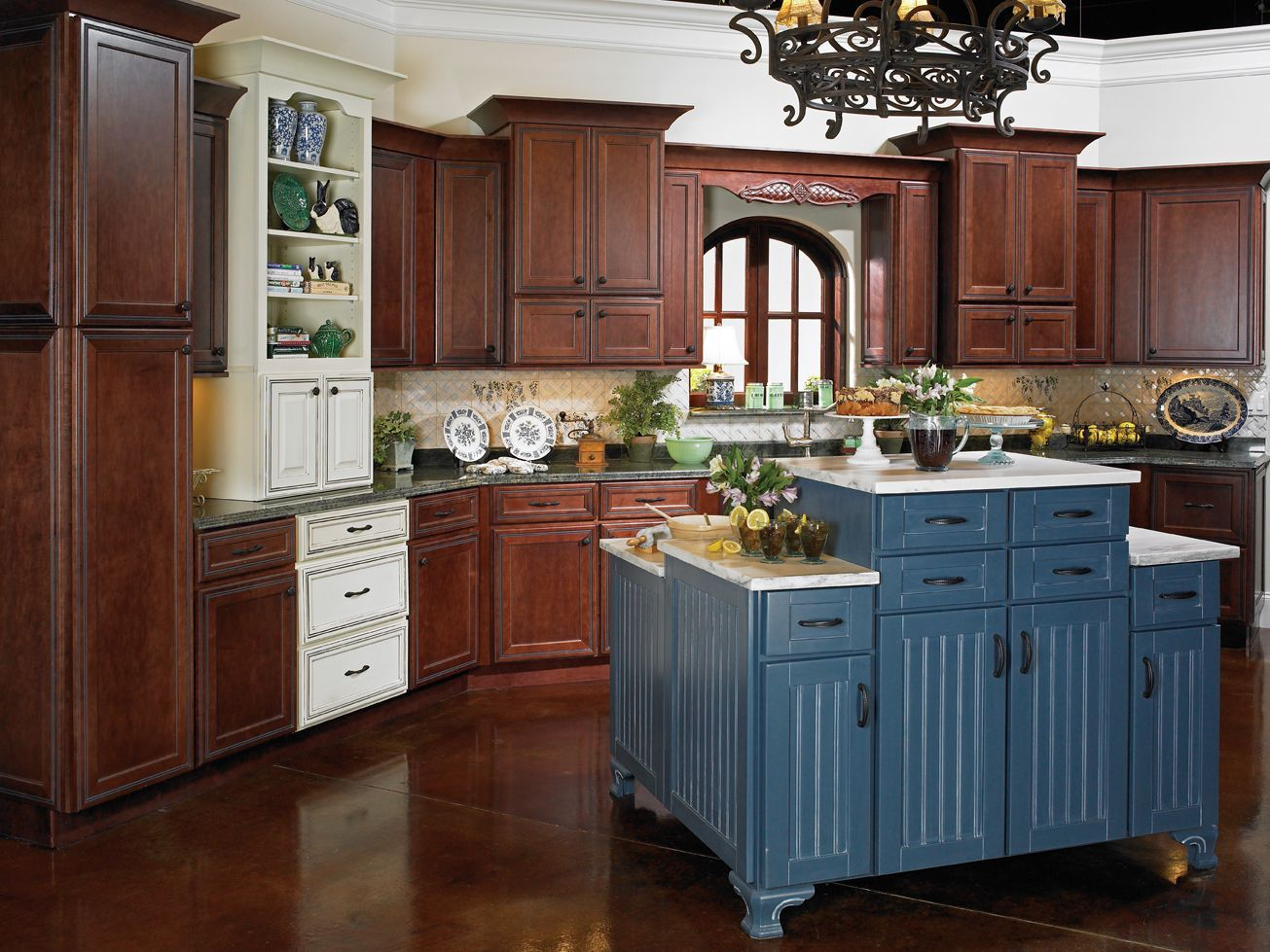 Best Kitchen Gallery: Plantation Maple Nutmeg Sterling Winter Spice Accents Kitchen of Plantation Kitchen Cabinets on rachelxblog.com