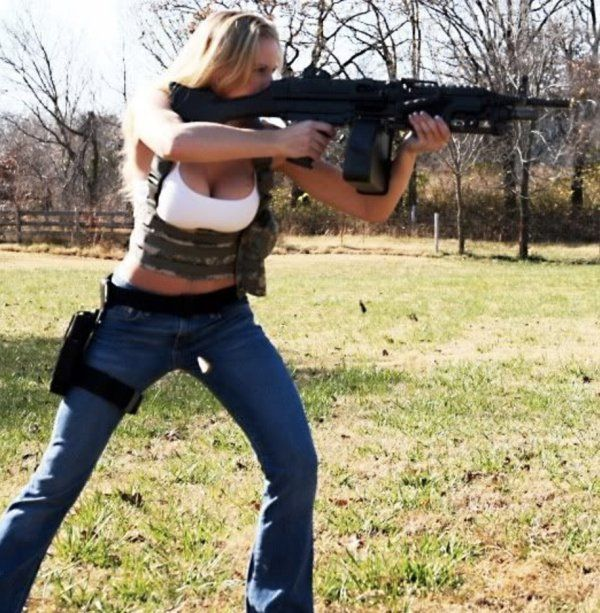 See The Full Gallery On Thechive Com Guns Girl Guns Hunting Girls