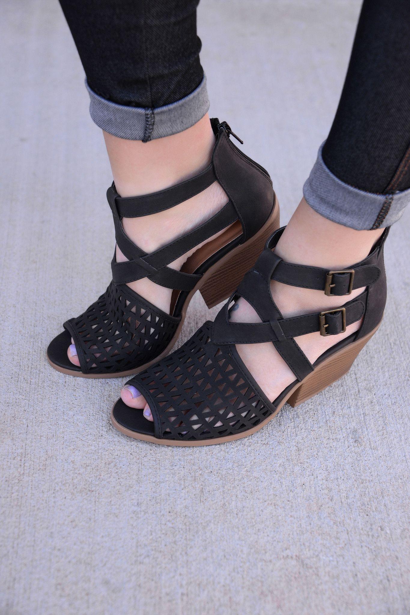 Watch Her Strut Black Shoes Sho550bk Black Shoes Shoes Shoe Gallery