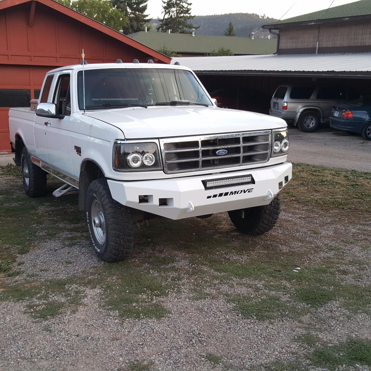There Isn T Much Better Than A Square Body Truck With Move Per Customtrucks Ford Fordtrucks Trucks Squarebody Obs