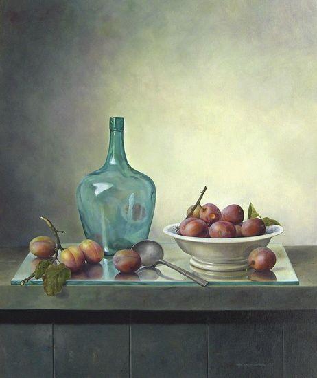 Pita Vreugdenhil - Stilleven met pruimen en groene fles