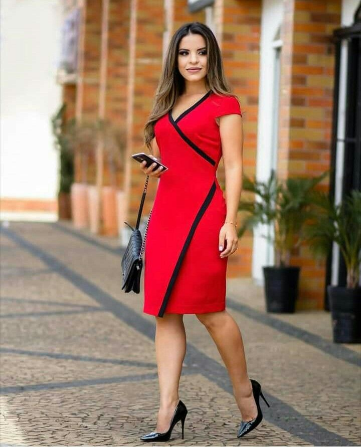 80c3906ff3bc9c this style would be very flattering on me | Style | Vestidos para ...