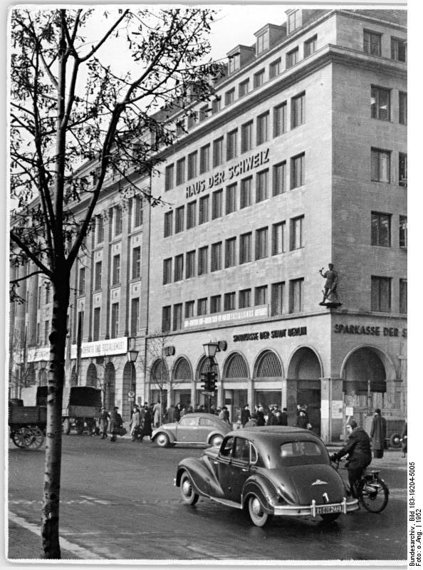"""Berlin DDR 1952 Unter den Linden """"Haus der Schweiz"""" Ddr"""