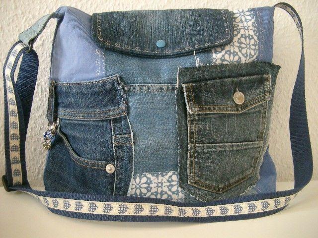 patchwork umh ngetasche jeanstasche mit herz von n hwittchen auf jeanstaschen. Black Bedroom Furniture Sets. Home Design Ideas