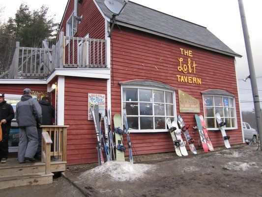 Tom S Loft Tavern Ludlow Vt Usa Outdoor Structures Outdoor Decor Favorite Places