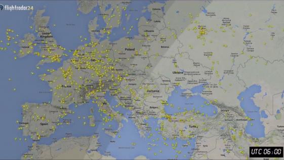 Cuántos Aviones Vuelan Cada Día En El Mundo Aviones Volando Mundo Volar