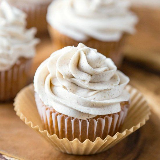 Whipped Cinnamon Buttercream Frosting is a light & airy frosting - perfect with apple or pumpkin cake!