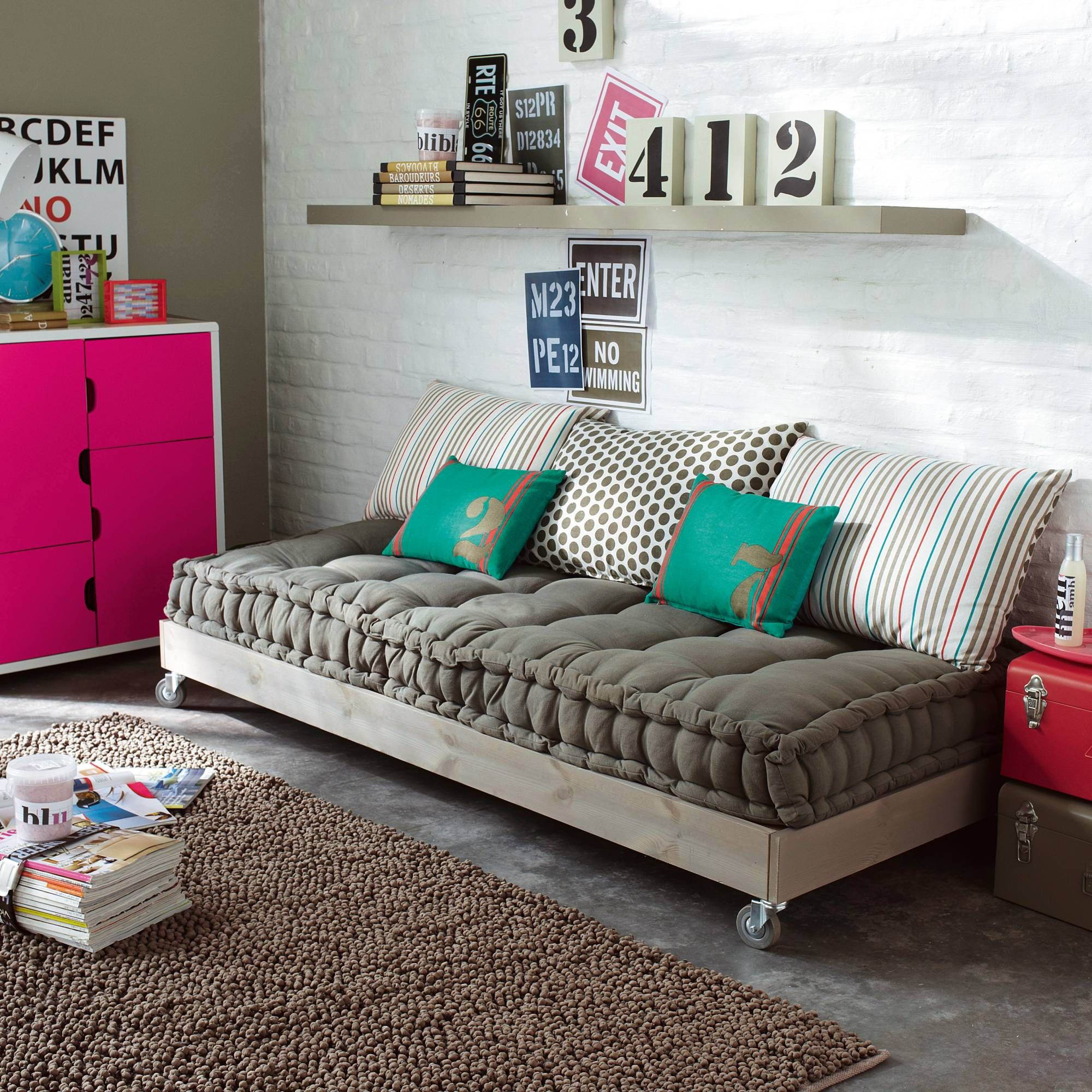 Un futón es un estilo de cama tradicional japonesa que gusta y mucho ...
