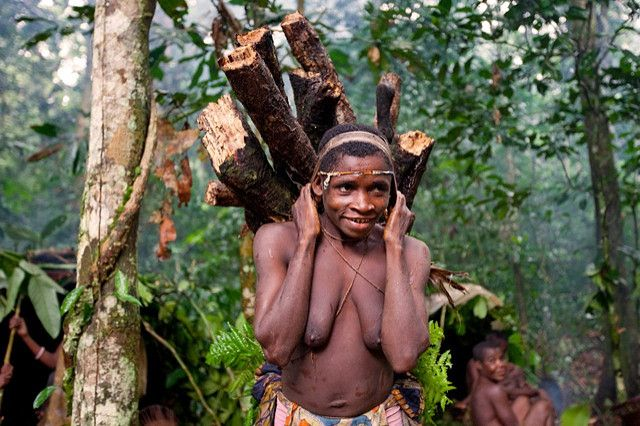 nude mbuti