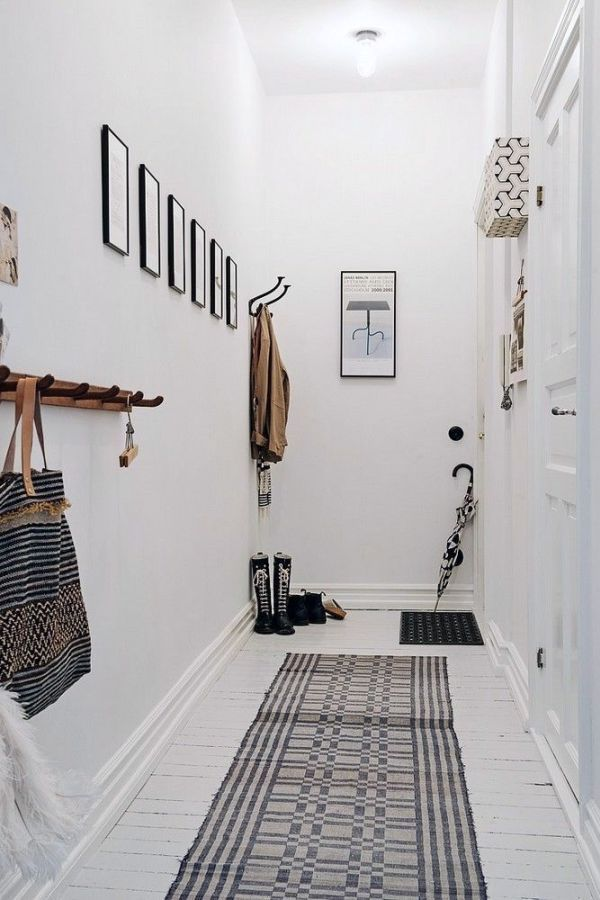 Wunderbar 5 Tips To Decorate A Small Hallway | KreaVilla