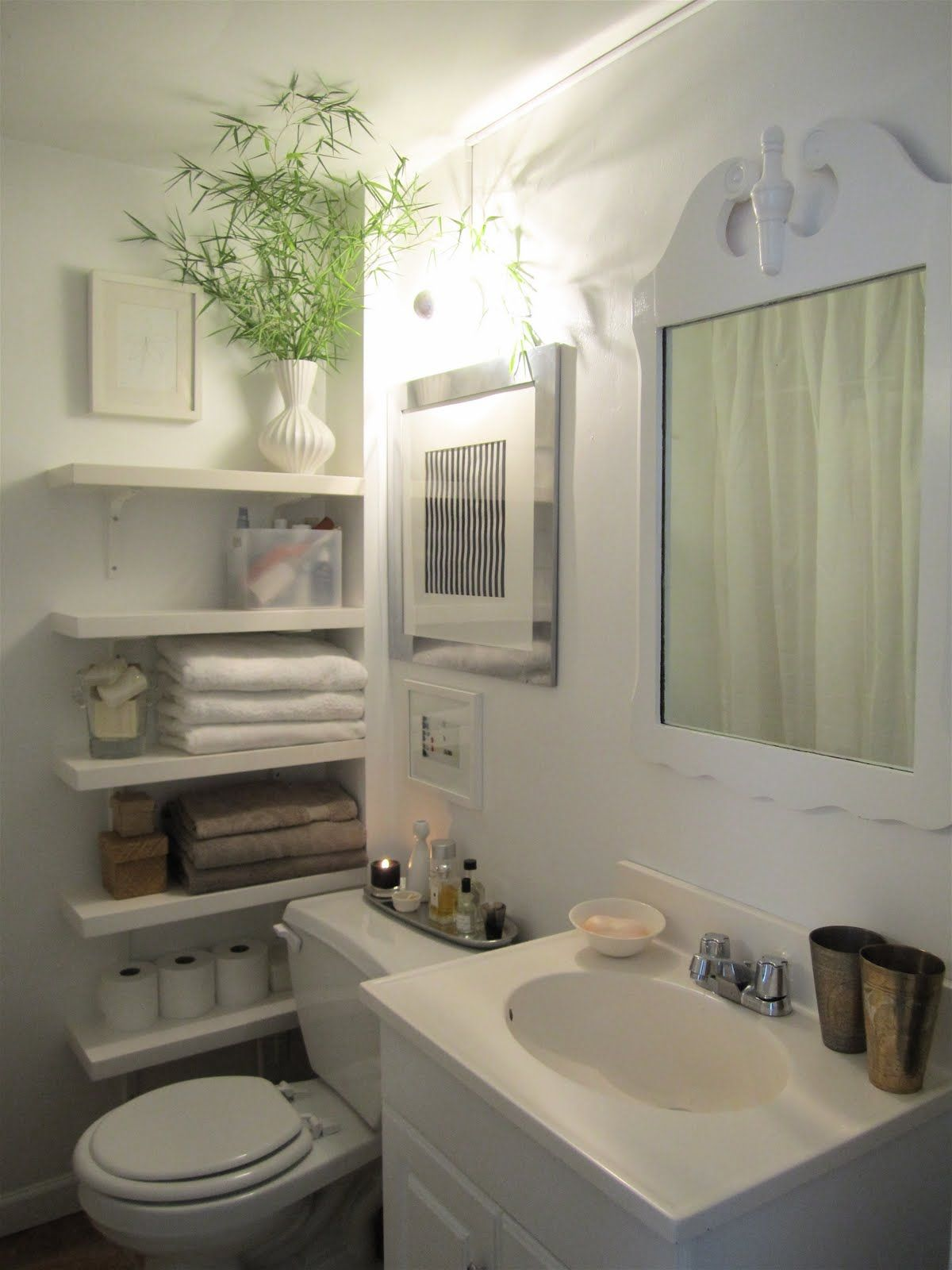 50 Small Bathroom Ideas That You Can Use To Maximize The Available Storage Space Small Bathroom Small Bathroom Decor Bathroom Decor