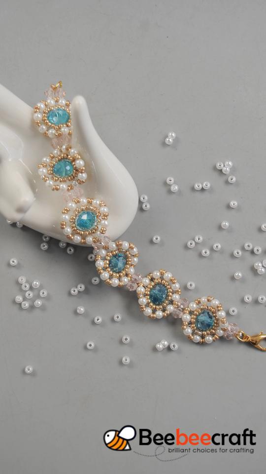 Photo of #Beebeecraft tips on making #elegant #bracelet with #seedbeads.