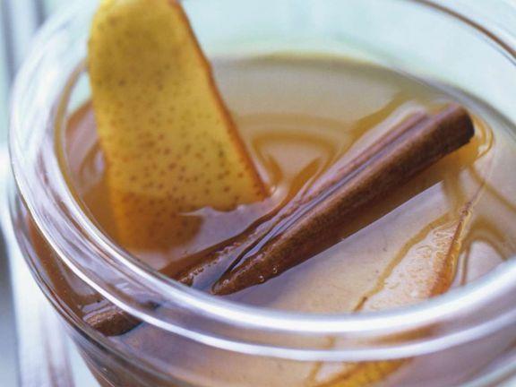 Birnen-Zimt-Essig ist ein Rezept mit frischen Zutaten aus der Kategorie Fruchtgemüse. Probieren Sie dieses und weitere Rezepte von EAT SMARTER!