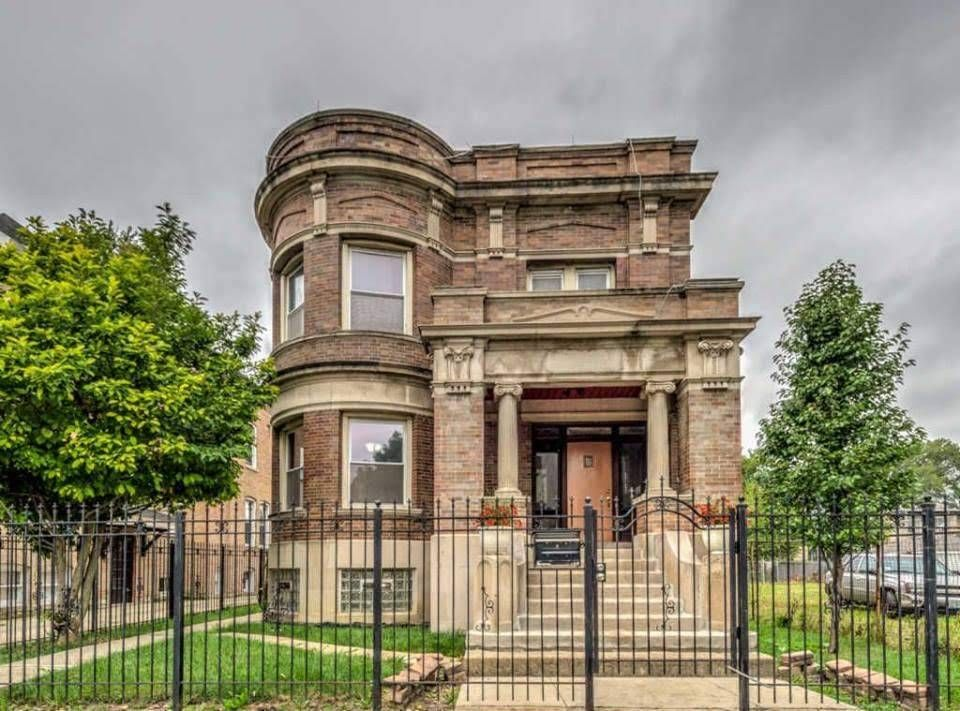 1903 Historic Mansion In Chicago Illinois Captivating Houses Abandoned Mansion For Sale Mansions Historic Mansion