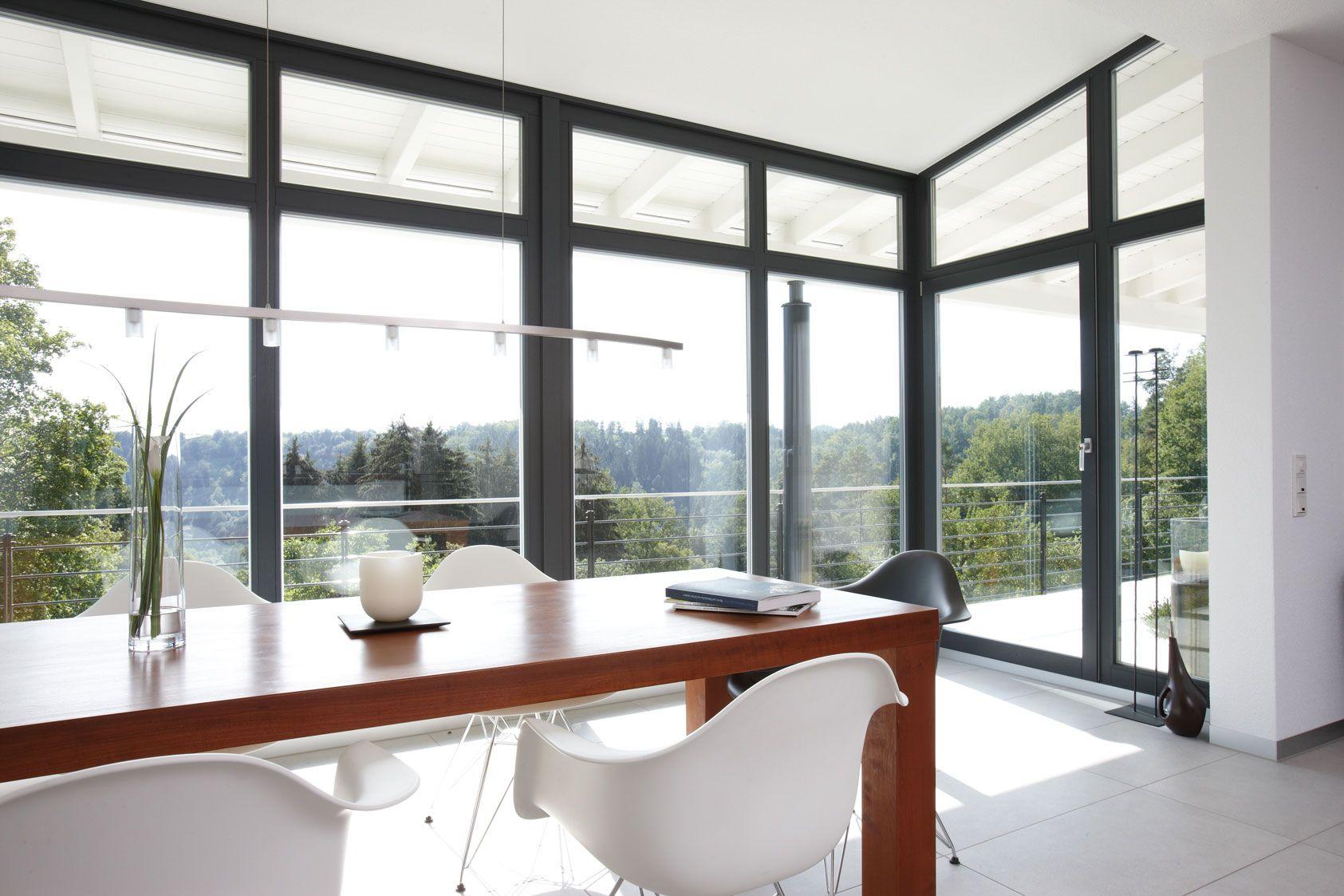 esszimmer mit wintergarten mit exklusivem ausblick haus pinterest ausblick winterg rten. Black Bedroom Furniture Sets. Home Design Ideas
