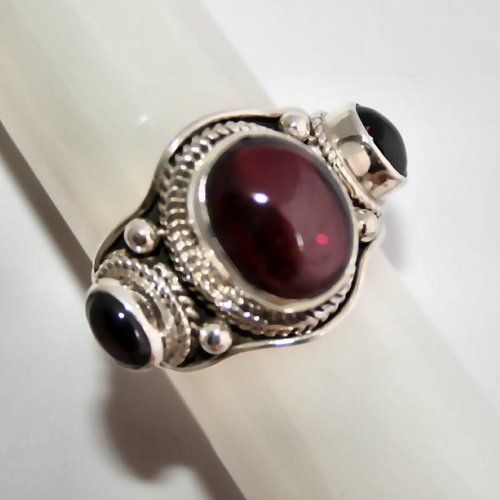 "Garnet Cabochon ""Trinity"" Ring in 925 silver. Starting at $1 on Tophatter.com!"