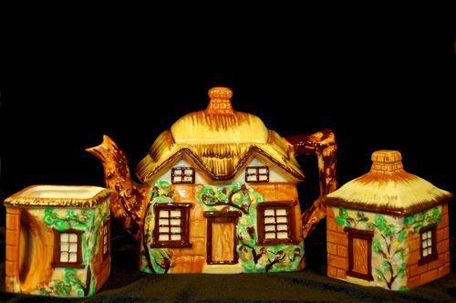 Vintage Occupied Japan Cottage Teapot Set – Highly Desirable | eBay